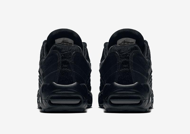 air max 95 triple black
