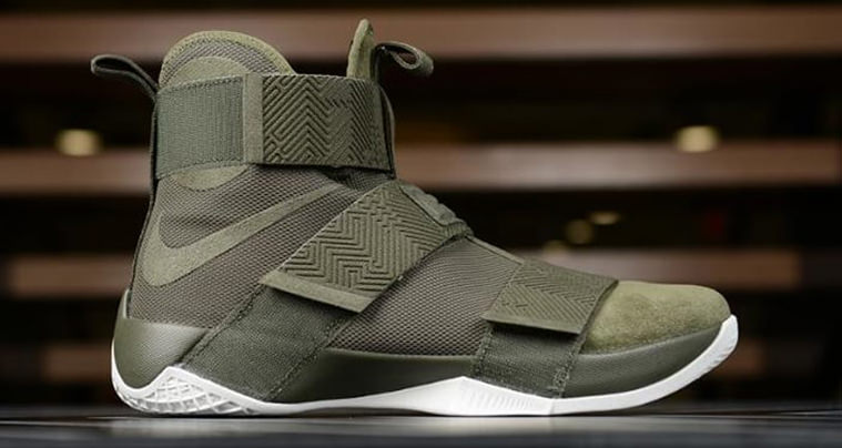 half off a9557 6fed8 Nike LeBron Soldier 10 Lux