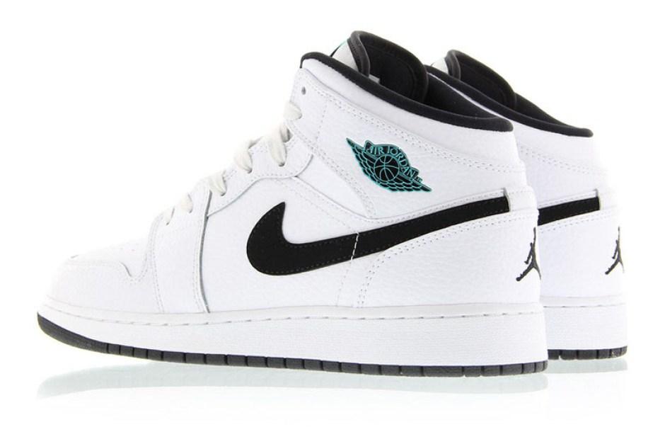 online store dd04c bd8b8 Air Jordan 1 Mid