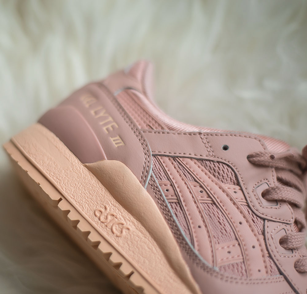 ASICS Drops a Peach Gel Lyte III for the Ladies 80%OFF - news ... f90fc060f