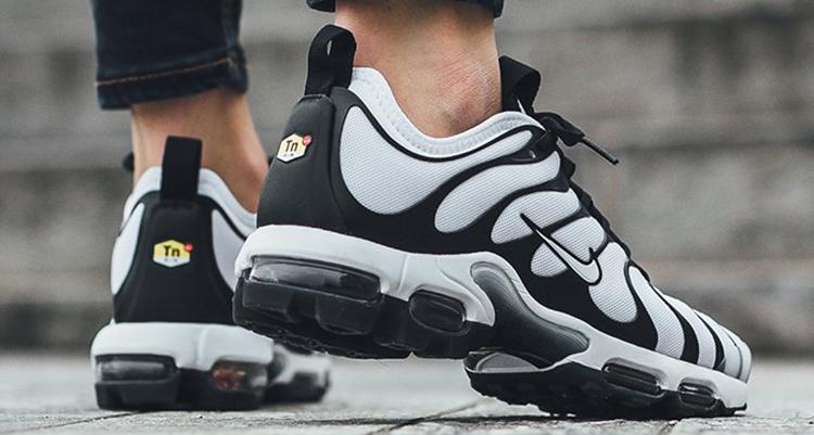 sports shoes d0c12 2da78 Nike Air Max Plus Ultra WhiteBlack