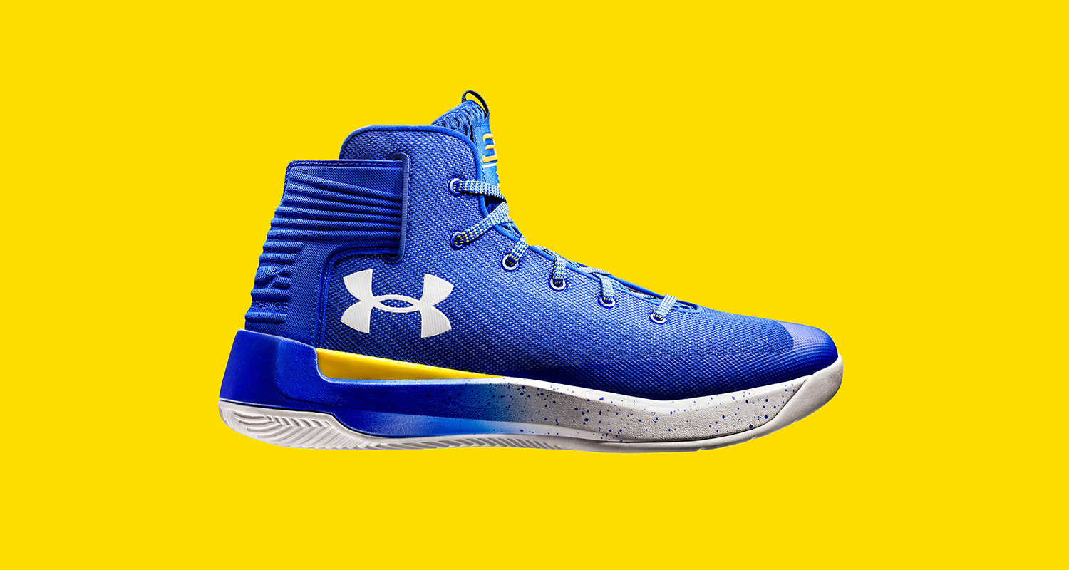 the latest e4b4b 2ca69 Steph Curry Gets Ready for the Playoffs in Under Armour ...