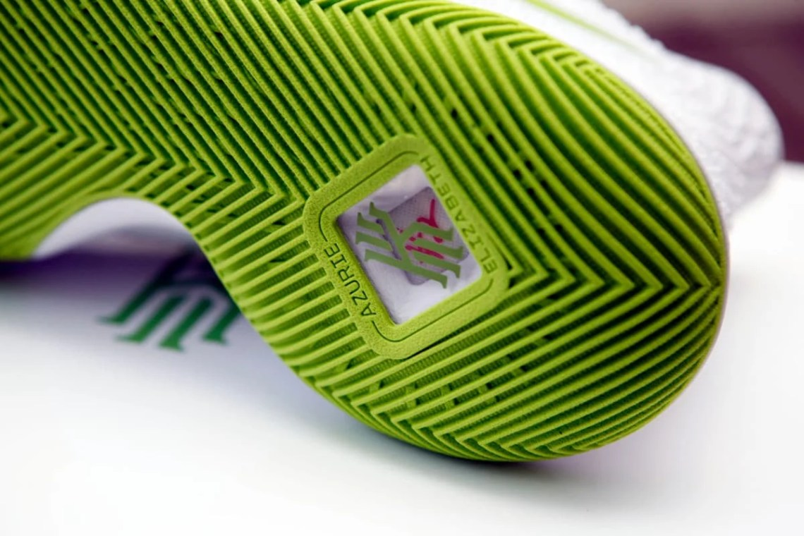 "Nike Kyrie 3 ""K.A.R.E. Kit"""