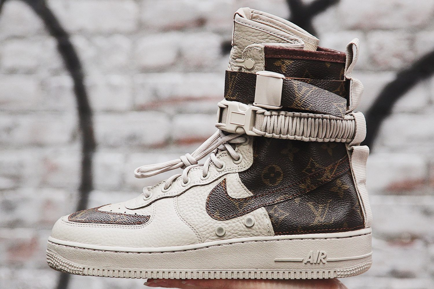 cheap for discount ca035 a3a65 Louis Vuitton Inspiration Takes Over this Nike SF-AF1 Custom | Nice ...