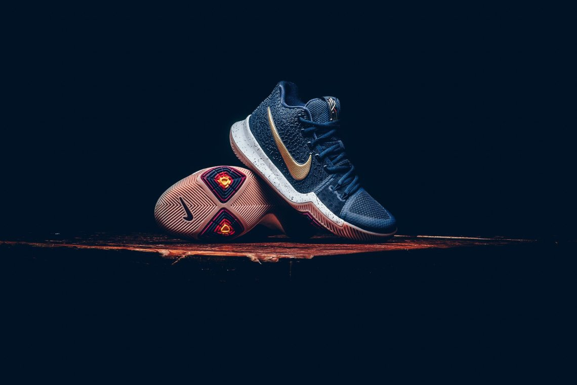 Nike Kyrie 3 Obsidian/Metallic Gold