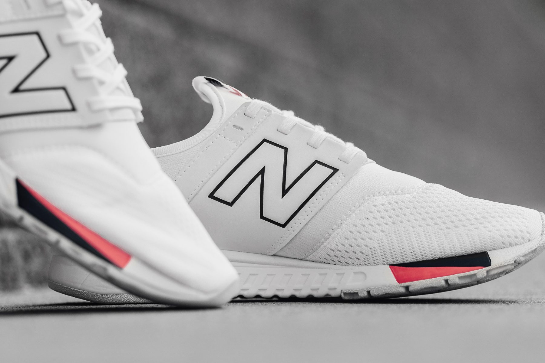 white new balance 247