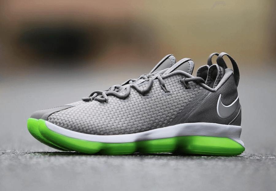 quality design d8636 76f1a Nike LeBron 14 Low