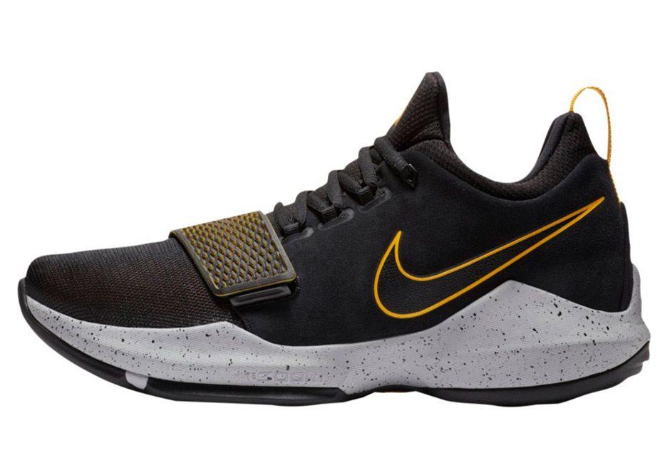 nike pg1 nero / oro / / data di rilascio belle scarpe