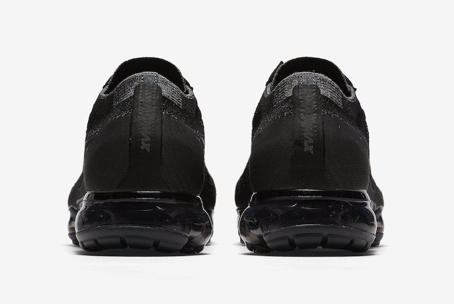 detailed look 13b17 55ba6 Nike Air VaporMax Laceless