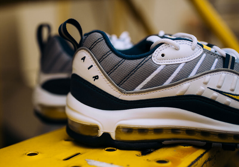... Nike Air Max 98 White/Tour Yellow