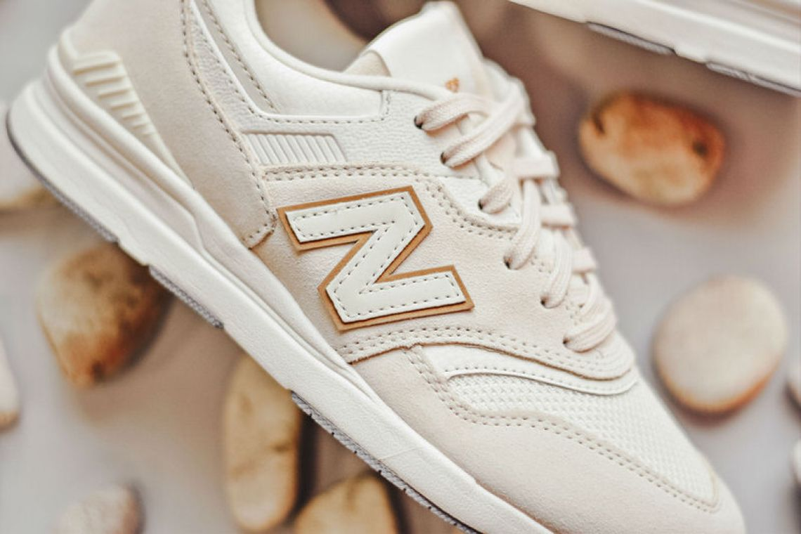 "New Balance 697 ""Pastel"" Pack"