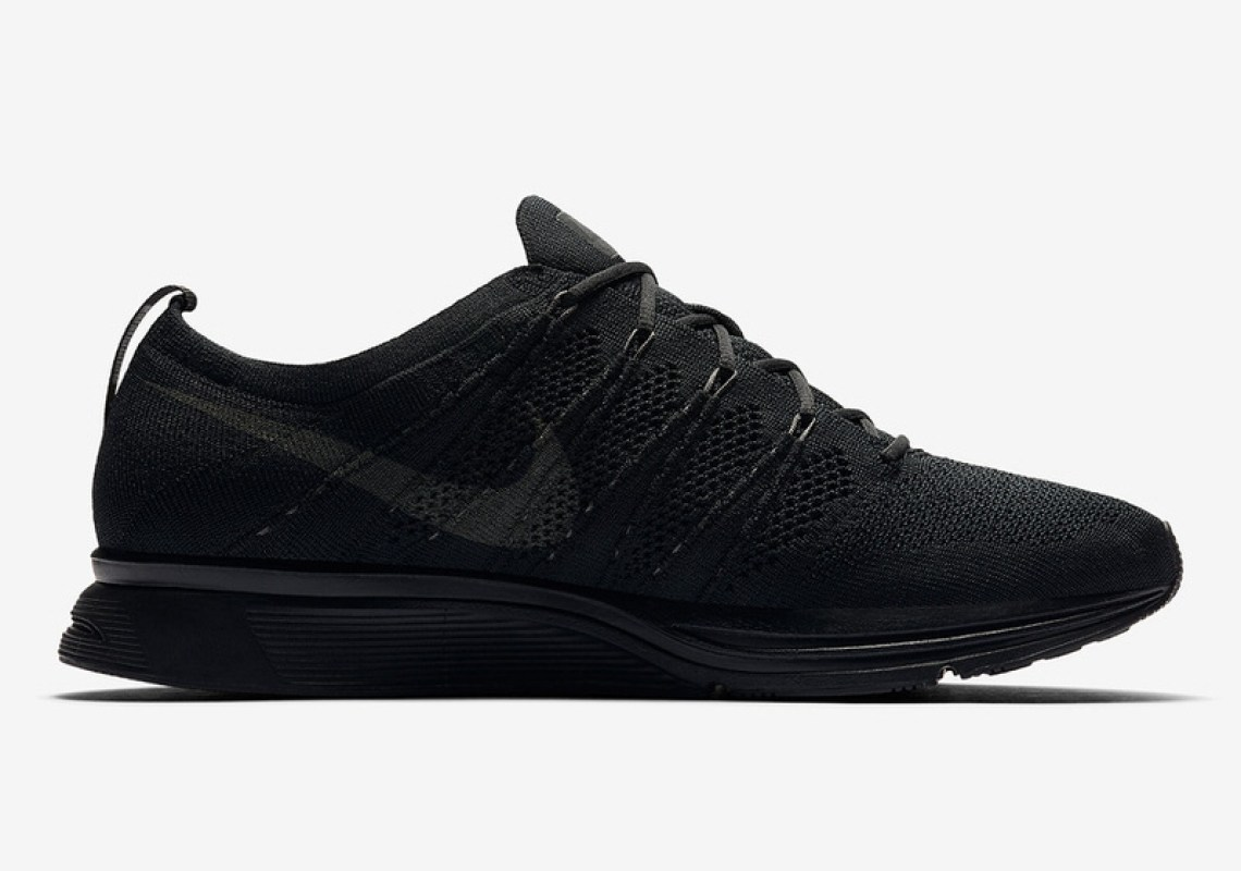 "Nike Flyknit Trainer ""Triple Black"""