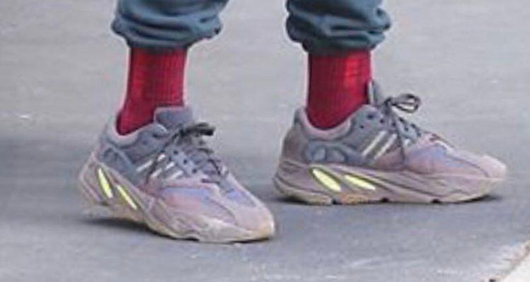425b0dbb81cee Kanye West Debuts New adidas Yeezy 700