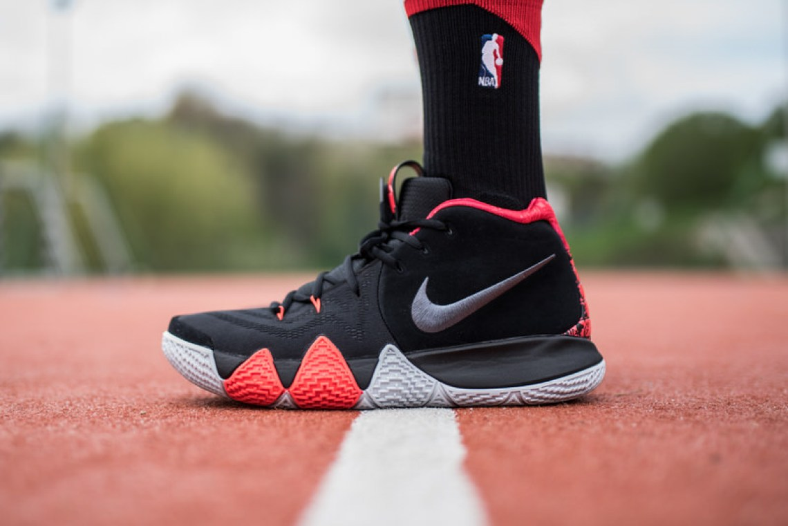 "Nike Kyrie 4 ""Brick Points"""