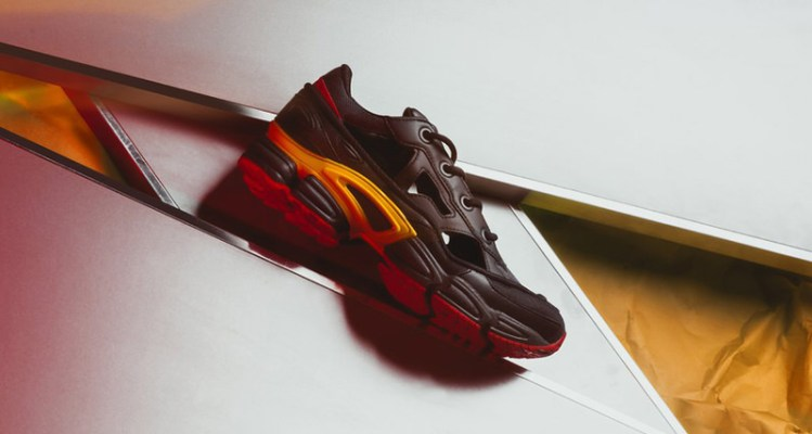 "Raf Simons x adidas Replicant Ozweego ""Belgium"""