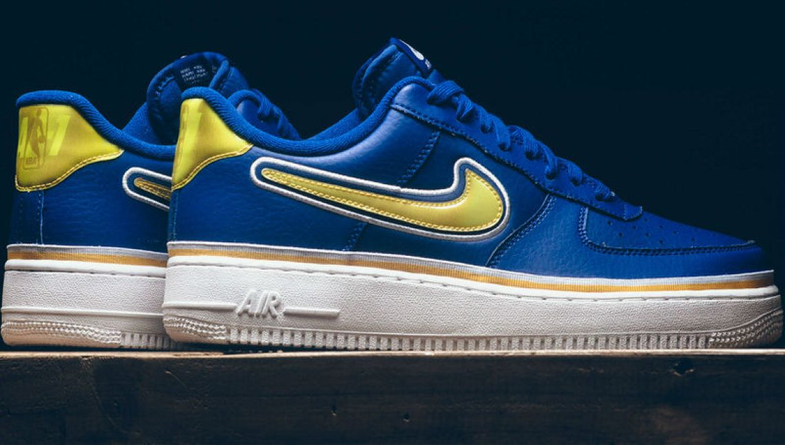new product 01d1b 08853 Made with fans of the Spurs, Warriors and Bulls in mind, these new versions  of the Air Force 1 Low all have a translucent heel tab and has NBA and AF-1  ...