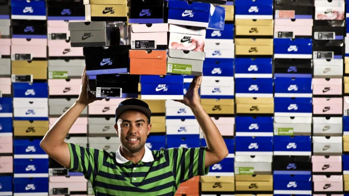 One of those OG Nike SB icon polos with who knows how many grails in the background. Which box days were you?