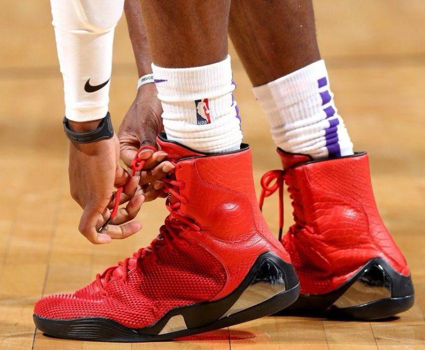 "designer fashion e07bb c4f6d De Aaron Fox in the Nike Kobe 9 KRM EXT ""Red Mamba"" (Zach Beeker NBAE via  Getty Images"