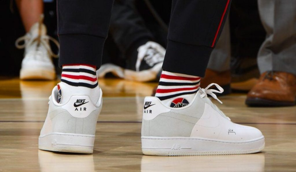 85edc1f6a15 LeBron James in the A-COLD-WALL  x Nike Air Force 1 Low vs. Oklahoma City  Thunder (Andrew D. Bernstein NBAE via Getty Images)