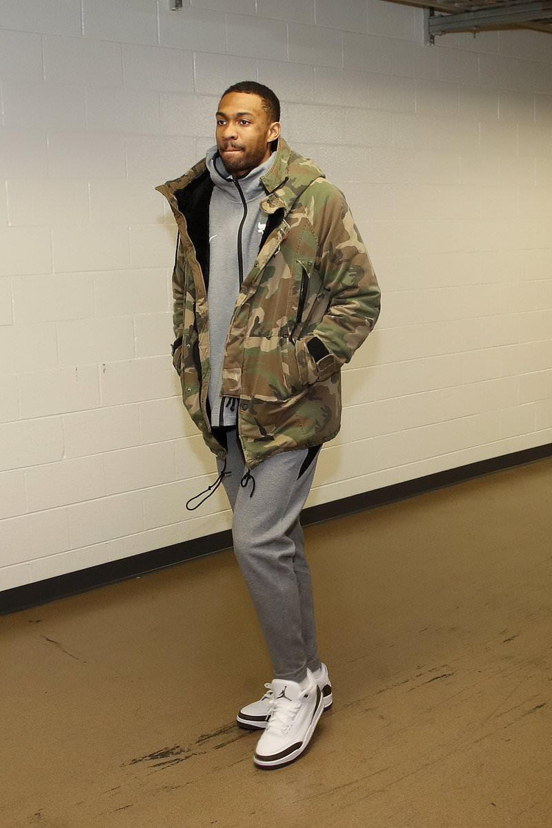 """Jabari Parker in the Air Jordan 3 Retro """"Mocha"""""""