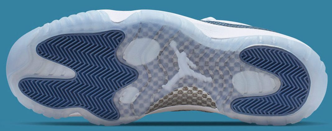 "Air Jordan 11 Low ""Blue Snakeskin"""