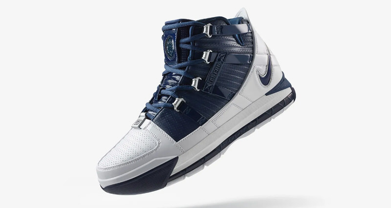 super popular d1809 03671 ... official nike zoom lebron 3 midnight navy back for the first time since  2005 e41bf 59423