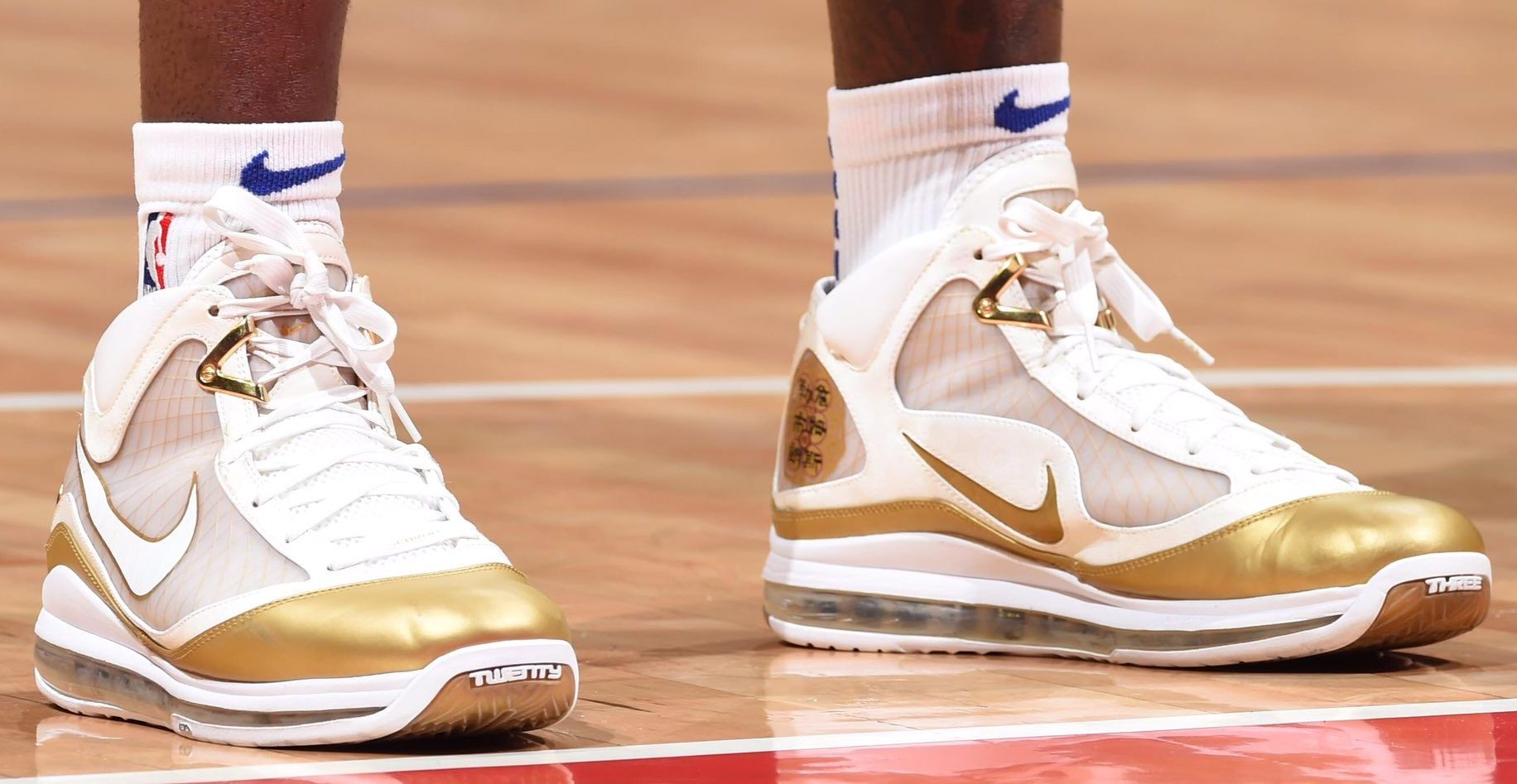 huge discount 414bf 7323b The Top 10 Kicks On Court From This Week