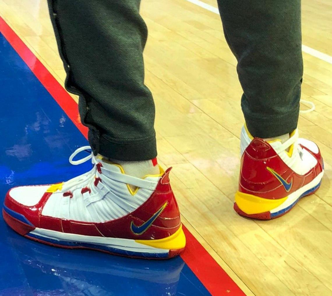 "8fc179255ae0 ... PJ Tucker in the Nike LeBron 3 ""Superman"" Alternate (photo via NBA  Kicks)"