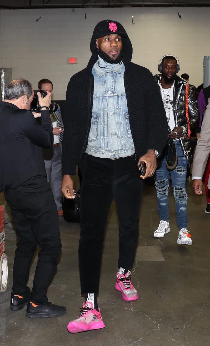 "2be2b616765f5 ... LeBron James in the OFF-WHITE x Nike Zoom Fly SP ""Tulip Pink"" ..."