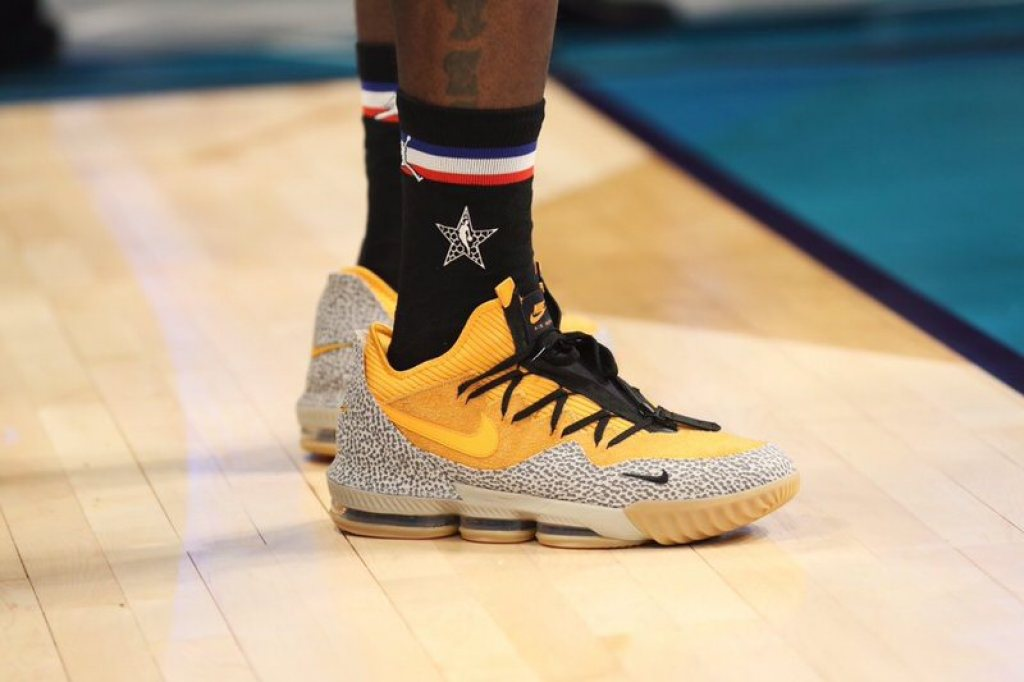 sports shoes 19212 a464e ... LeBron James in the Nike LeBron 16 Low PE (Joe Murphy NBAE via Getty  Images) ...