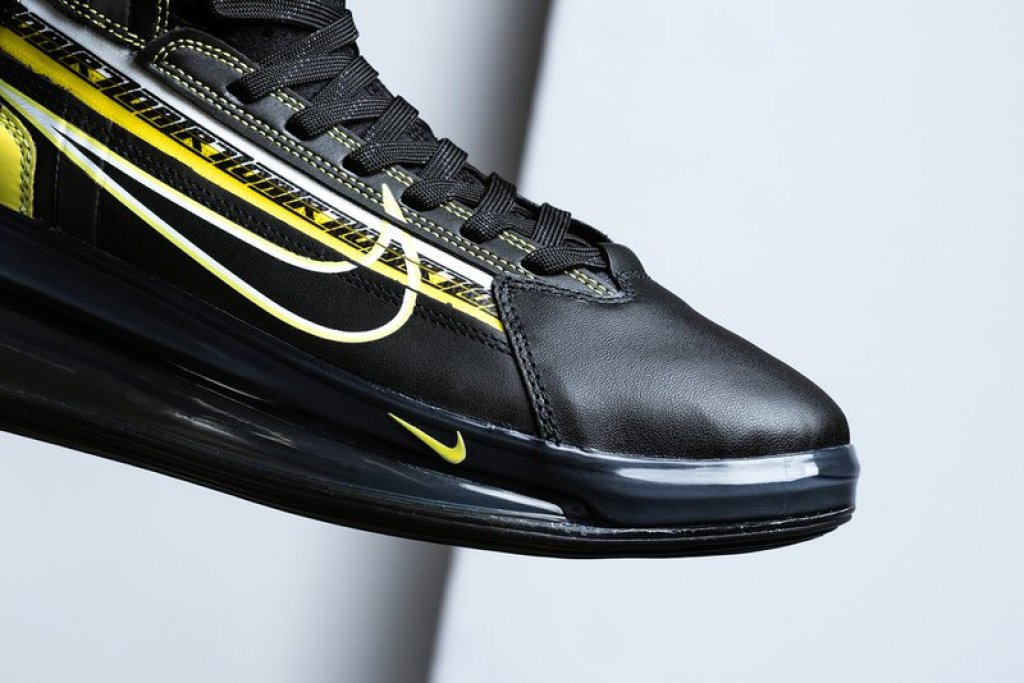 the latest 20e99 d38d4 Nike Air Max 720 Saturn Nike Air Max 720 Satrn