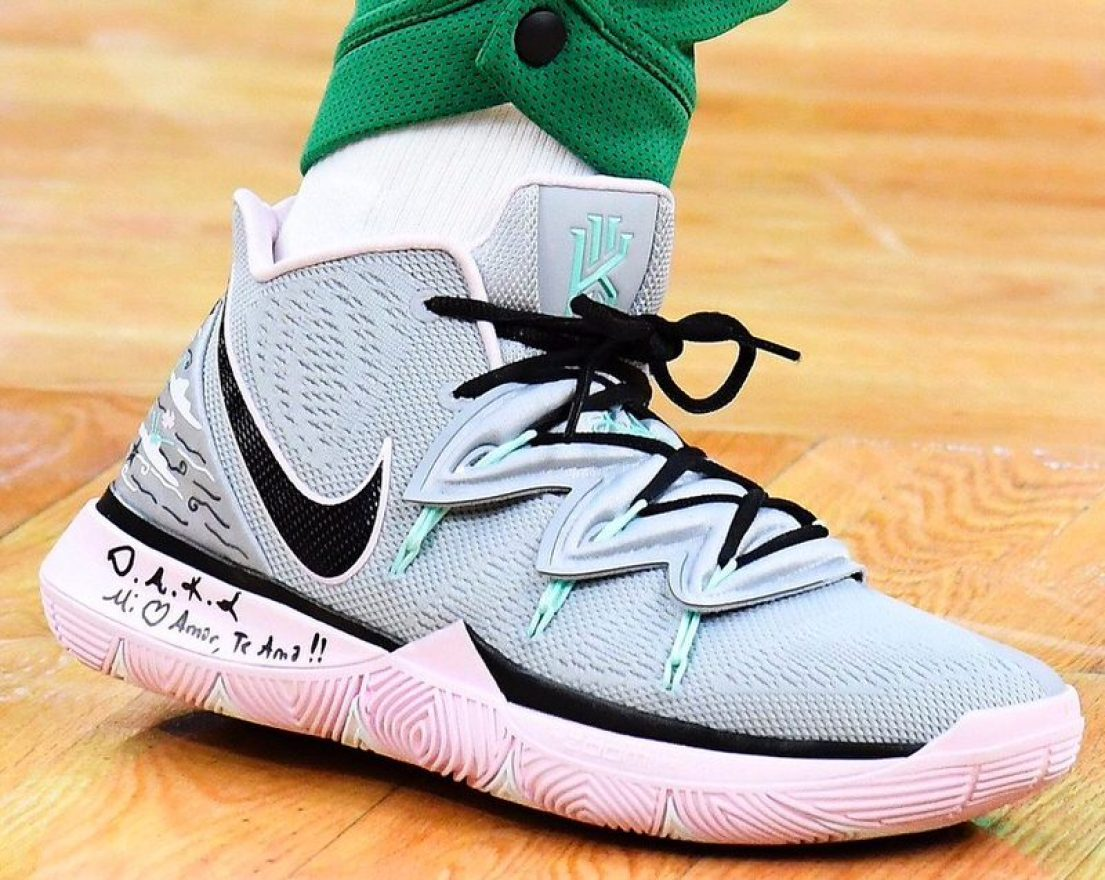 the best attitude dca51 72f8f Kyrie Irving in the Nike Kyrie 5 PE vs. Portland Trail Blazers (Brian  Babineau NBAE via Getty Images)
