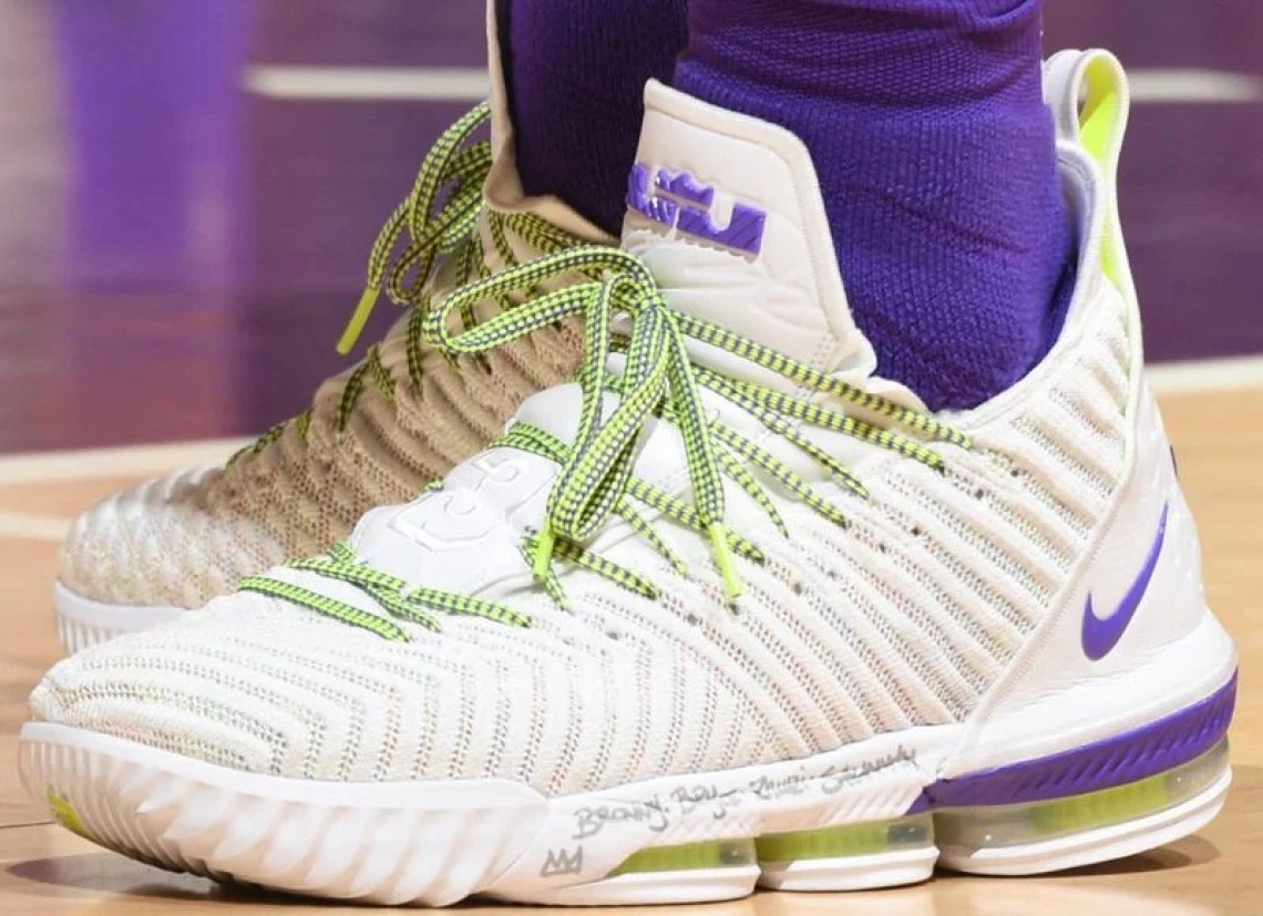 """f00250e109c LeBron James in the Nike LeBron 16 """"Buzz Lightyear"""" vs. New Orleans  Pelicans (Andrew D. Bernstein NBAE via Getty Images)"""