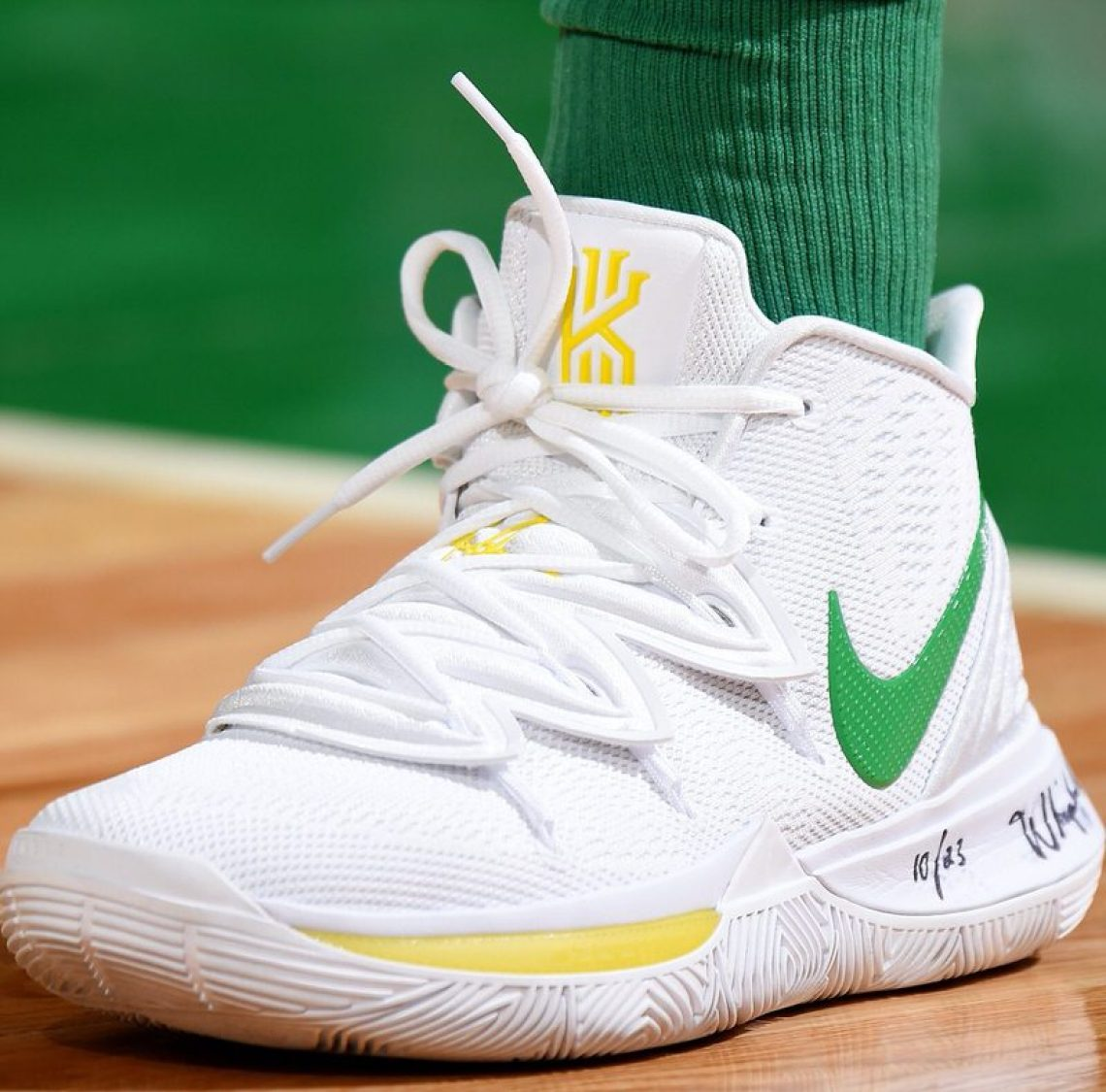 quality design b861a d0679 Kyrie Irving in the Nike Kyrie 5 Oregon PE vs. Denver Nuggets (Brian  Babineau NBAE via Getty Images)