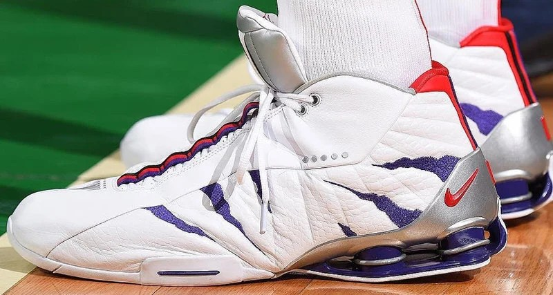 f653da39a4b11 Vince Carter Continues to Defy Gravity in the Nike Shox BB4