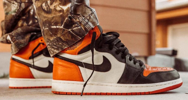 """a7b08444d63 How the Air Jordan 1 """"Shattered Backboard"""" Shifted Sneaker Culture"""