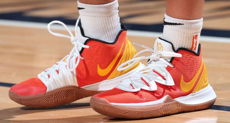30619ca8658d The 10 Best Kicks On Court This Week