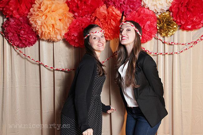 Nice Party photocall de pompones de papel 60 cumpleaños