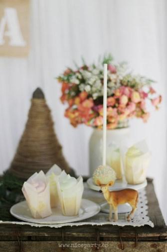 Nice Party Comunión bosque Mesa de dulces y decoración (20)