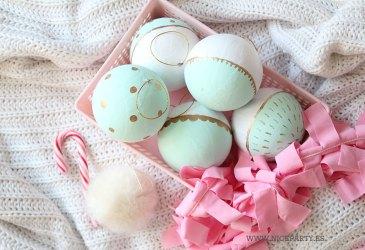 DIY bolas de navidad con chalkpaint color mint