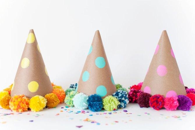 DIY tutorial gorros de fiesta con pompones