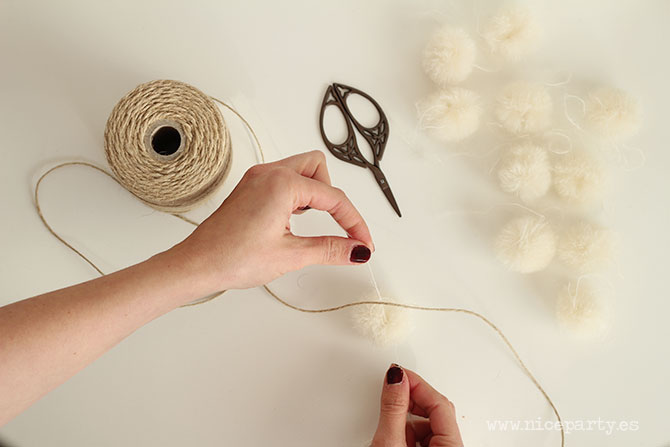 Nice Party DIY tutorial guirnalda pompones (2)