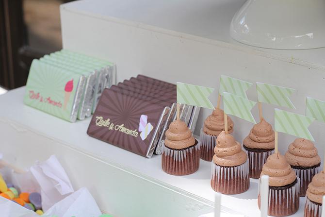 Nice Party cumpleaños de bienvenida al verano. Mesa de dulces