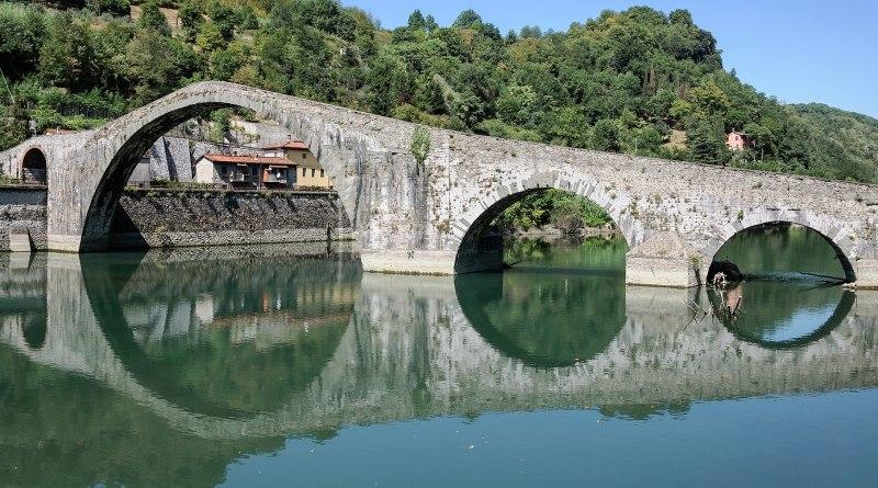 Bridge of Mary Magdalene (Lucca)