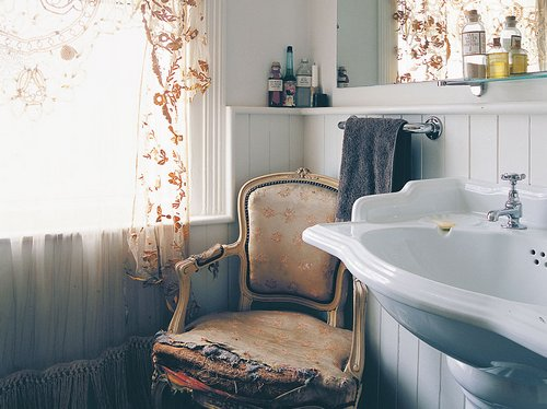 French Country Bathroom  wwwnicespaceme
