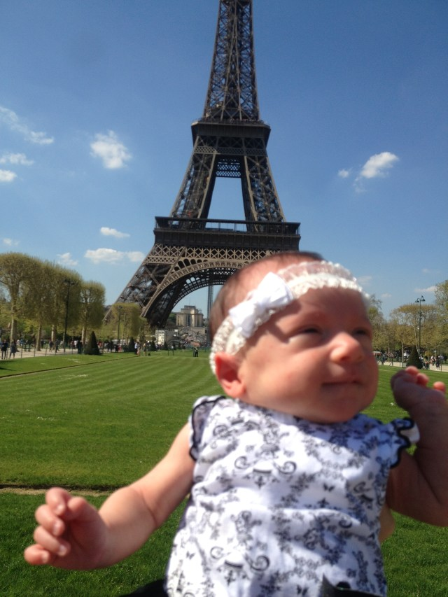 Cupcake visits the Eiffel Tower