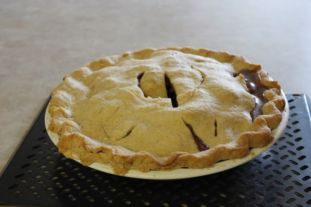 Thanksgiving Mom's Apple Pie