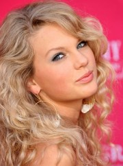 taylor swift's greatest 'dos