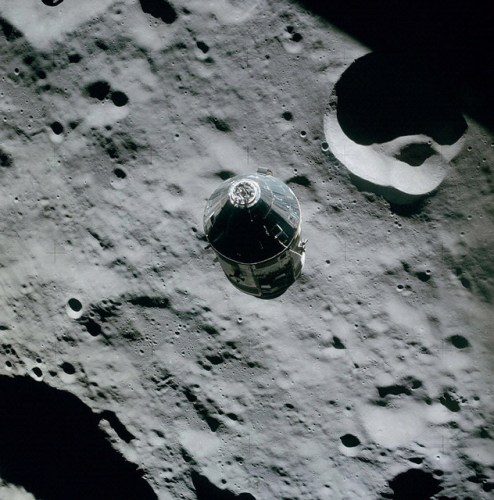 The Command Service Module Casper in orbit around the Moon. Image credit: NASA