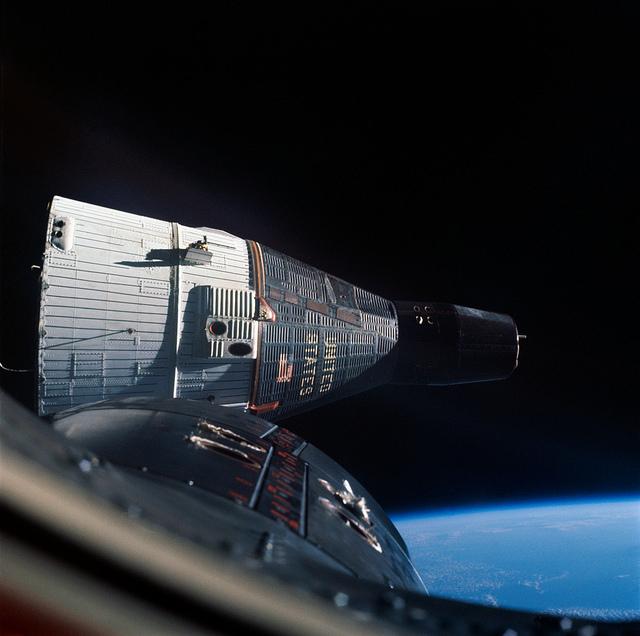 Gemini 7 as seen by Gemini 6 during rendezvous